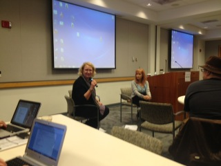 """Laurie Scheer and Marilyn Atlas role play to get their point across in WIFTI Summit / ScriptDC's """"Pitch U""""."""